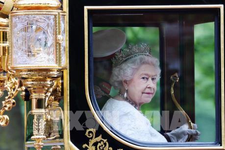 Vương quốc Anh mừng 65 năm Nữ hoàng Elizabeth II trị vì