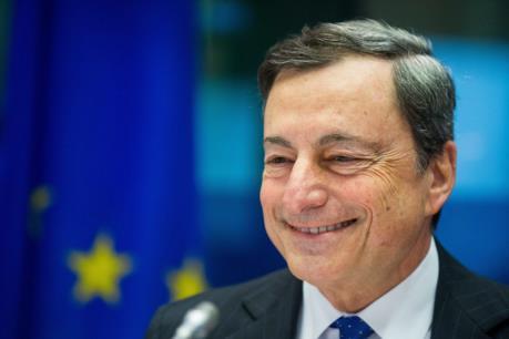 ECB vẫn duy trì chính sách tiền tệ siêu nới lỏng cho dù lạm phát đã tăng