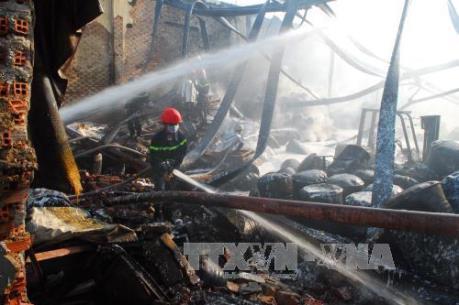 Tp. Hồ Chí Minh: Xảy ra hai vụ cháy lớn
