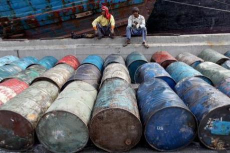Mối lo dư cung tiếp tục ám ảnh thị trường dầu châu Á