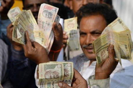 Đồng rupee của Ấn Độ có khả năng thấp kỷ lục trong năm 2018