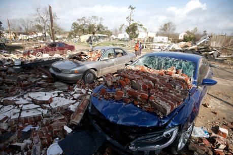 Bão lớn gây thiệt hại nặng tại Mỹ và Canada