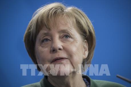 Cuộc tranh cử khó khăn của bà Merkel