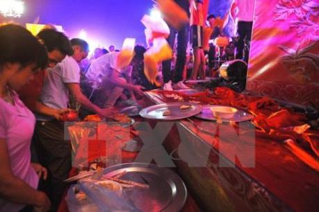 Hành vi tranh cướp lộc làm biến dạng các giá trị truyền thống của lễ hội