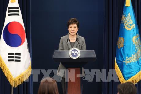 """Hàng trăm nghệ sỹ kiện Tổng thống Hàn Quốc và các cựu quan chức về """"danh sách đen"""""""