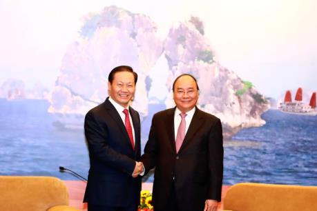 Thủ tướng Nguyễn Xuân Phúc tiếp Bí thư Khu tự trị dân tộc Choang Quảng Tây, Trung Quốc