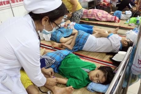Vĩnh Long: Hơn 100 học sinh tiểu học nhập viện nghi ngộ độc thực phẩm
