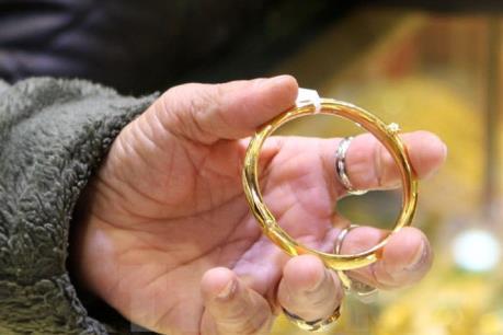 Hai học sinh bắt kẻ trộm vàng tại lễ hội Xuân Chùa Bà Thiên Hậu