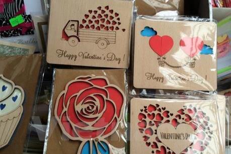 """Thiệp gỗ thông minh dành tặng """"nửa kia"""" dịp Valentine"""