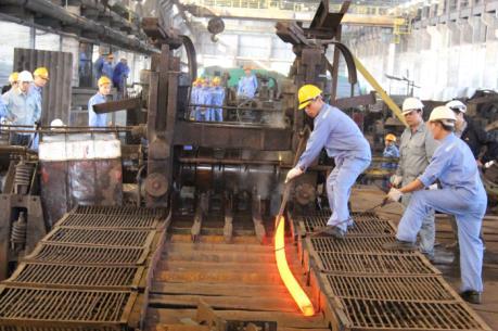 Sản xuất và tiêu thụ thép giảm mạnh