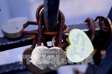 """Ngắm """"cầu tình yêu"""" lãng mạn như trong phim Hàn ở Đà Nẵng ngày Valentine"""