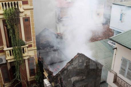 Cháy lớn tại Bệnh viện đa khoa huyện Cầu Kè, Trà Vinh