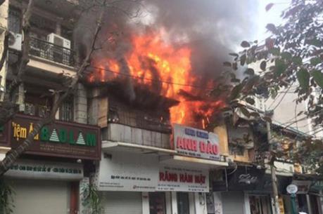 Cháy lớn tại phố Bát Đàn, Hà Nội