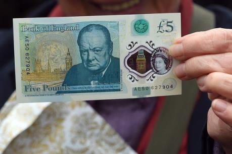 Nước Anh tiếp tục lưu hành tờ tiền polymer mệnh giá 5 bảng