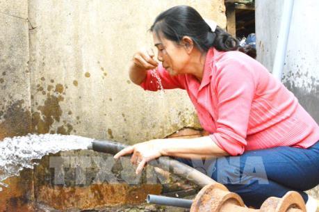 WHO cảnh báo gần 2 tỷ người uống nước nhiễm khuẩn