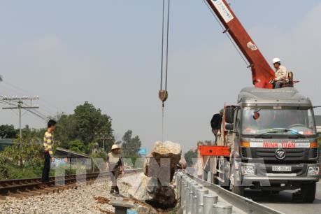 Giải tỏa vi phạm hành lang an toàn đường sắt tại Thanh Liêm, Hà Nam