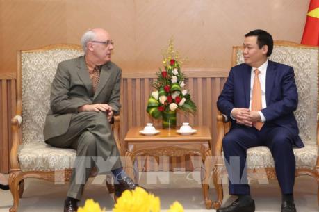 Phó Thủ tướng Vương Đình Huệ tiếp Hiệu trưởng Trường Chính sách công và Môi trường Mỹ