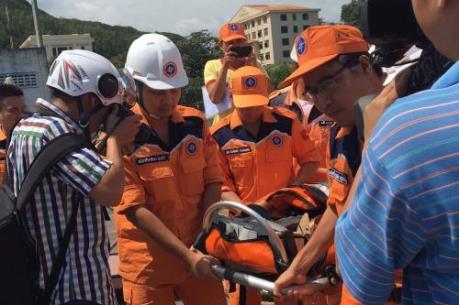 Vượt sóng cứu nạn thuyền viên tàu cá 90398-TS