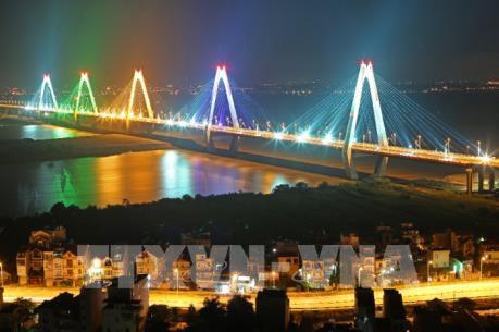 Hà Nội sẽ hoàn thiện hệ thống chiếu sáng Cầu Nhật Tân vào ngày 30/4
