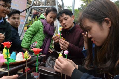 Rộn ràng hoạt động Liên hoan Nghệ thuật đường phố Hà Nội