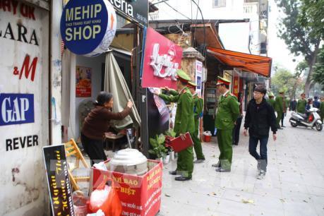 """Lập lại trật tự vỉa hè ở Hà Nội: Không để điệp khúc """"ồn ào rồi lại dịu êm"""""""