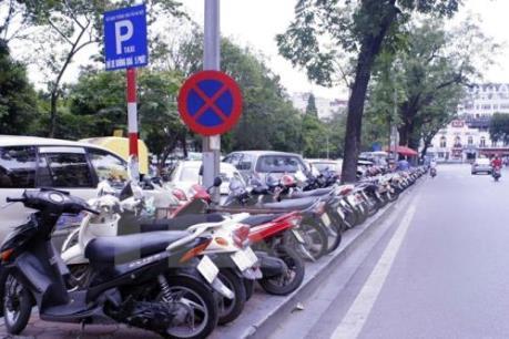 """Hà Nội sẽ xử lý nghiêm nếu có việc thu phí gửi xe """"viết tay"""""""