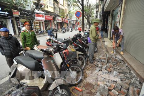 Lập lại trật tự vỉa hè ở Hà Nội: Người dân là yếu tố quyết định
