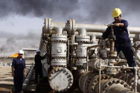 Giá dầu phục hồi nhờ hy vọng vào thỏa thuận cắt giảm sản lượng
