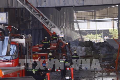 Vụ cháy lớn tại Cần Thơ: Công tác chữa cháy có thể sẽ kéo dài đến chiều tối 24/3