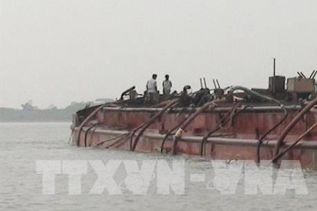 """""""Cuộc chiến"""" bảo vệ lòng sông ở Hà Nội: Bài 1 - """"Toạ độ chết"""""""