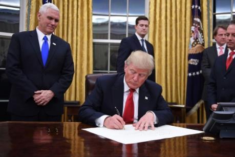 Tổng thống Mỹ Trump bãi bỏ chính sách bảo mật băng thông rộng thời Obama