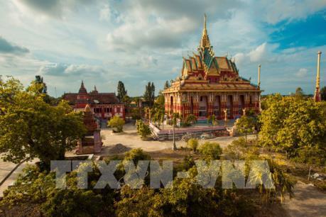 Cận cảnh ngôi chùa Khmer đẹp nhất miền Tây Nam bộ