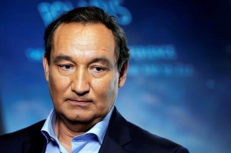 CEO của United Airlines xin lỗi về cách hành xử thô bạo với hành khách