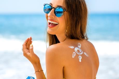 6 tuýp kem chống nắng dành cho da dầu trong những ngày hè nóng bức
