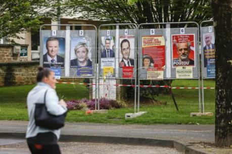 """Bầu cử Tổng thống Pháp: """"Cuộc đua tứ mã"""" bắt đầu"""