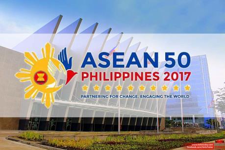 Thủ tướng Nguyễn Xuân Phúc lên đường tham dự Hội nghị Cấp cao ASEAN lần thứ 30