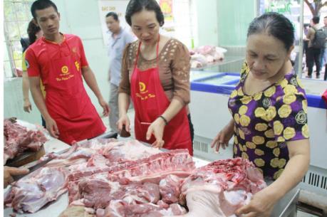Ai hưởng lợi từ giá lợn xuống thấp?