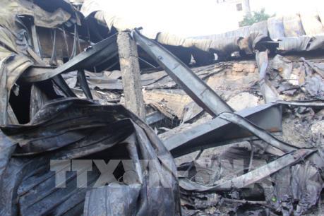 Cháy lớn thiêu rụi 1.200 m2 nhà xưởng sản xuất bao bì tại Thành phố Hồ Chí Minh