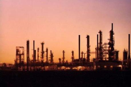 """Mỹ tăng cường khai thác dầu mỏ, giá """"vàng đen"""" đi xuống"""
