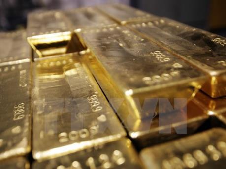 Thị trường vàng thế giới bấp bênh giữa hai luồng thông tin trái chiều