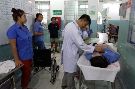 Tp Hồ Chí Minh: Nhiều công nhân Công ty Smart Elegant tiếp tục ngất xỉu