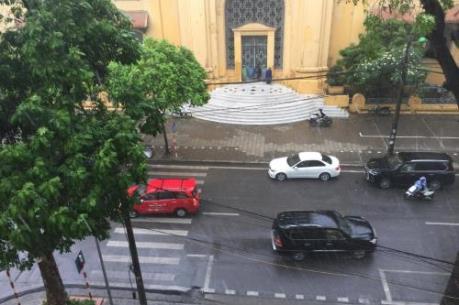 Dự báo thời tiết hôm nay 18/5: Hà Nội mưa vừa, nhiệt độ giảm