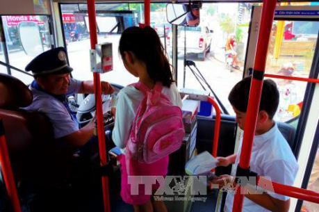 Kỳ thi THPT quốc gia năm 2017: Đồng Nai giảm 50% vé xe tuyến cố định cho thí sinh