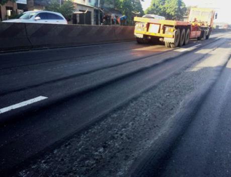 Khẩn trương sửa chữa mặt đường Quốc lộ 1 bị trồi lún