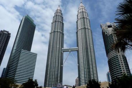"""Kinh tế Malaysia """"bứt tốc"""" nhanh nhất trong 2 năm qua"""