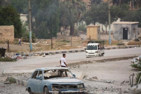 Quân đội Syria giành lại hai ngôi làng từ tay IS