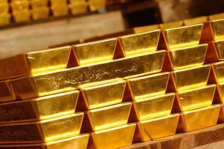 Giá vàng châu Á nhích lên do đồng USD đi xuống