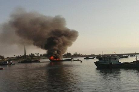 Cháy tại cảng cá Tiên Châu, 7 tàu cá bị hư hại