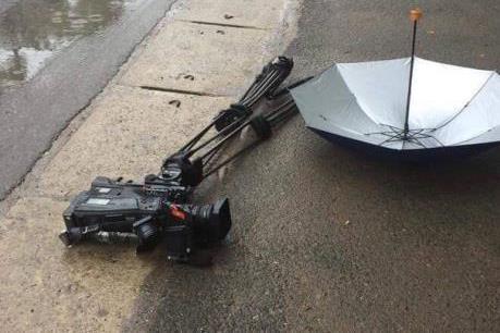 Hội Nhà báo Việt Nam đề nghị xử lý nghiêm vụ phá hỏng máy quay của phóng viên