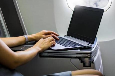 Thêm 1 hãng hàng không được Mỹ dỡ bỏ lệnh cấm mang laptop lên máy bay